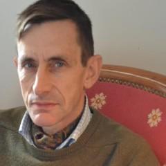 le général Piquemal sort du silence en venant à Calais malgré l'interdiction de la manifestation - arrestation du général Piquemal  - Page 2 865f954cd878d7db6568a7a2f493cb71?s=240&d=mm&r=g