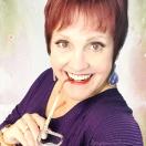 Stephanie Loomis am an accidental artist. I am an on-purpose teacher.